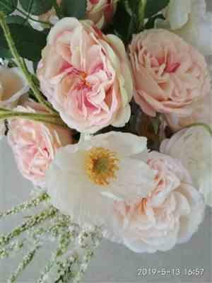 Valerie verified customer review of Artificial Poppy Flowers in White - 23 Tall x 2.5 Blooms