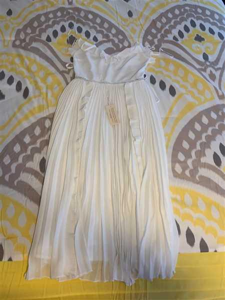 Anonymous verified customer review of Maia Dress - White
