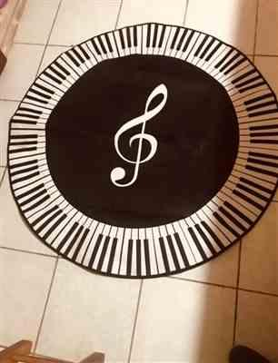 Luca verified customer review of New Carpet Music Symbol Piano Keys Black White Round Carpet Anti Slip Rugs Home Bedroom Foot Pads Floor Decoration