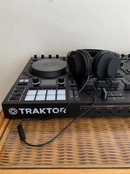 Barrett Tegner verified customer review of Traktor Kontrol S4 MK3 + Free Chroma Caps