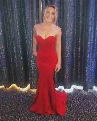 Emily Wade verified customer review of LEXI SAHAR DRESS IN RED