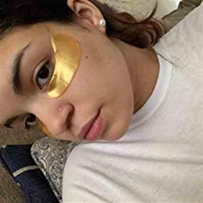 Paulette G verified customer review of 24K Gold Under Eye Masks (5 pack)