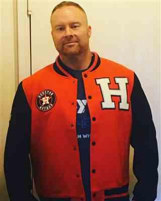 Alex verified customer review of SG H Town Varsity - Orange
