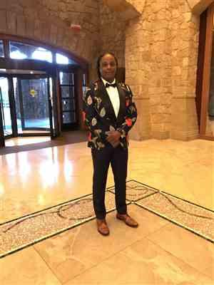 Iven verified customer review of SG Folarin Tuxedo Blazer – (Fuh-lah-reen)