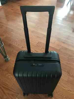 Bonnie verified customer review of Forest Green 22 Carry On Luggage