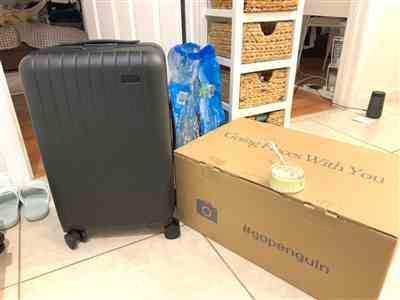 Ka Y. verified customer review of Midnight Black 22 Carry On Luggage