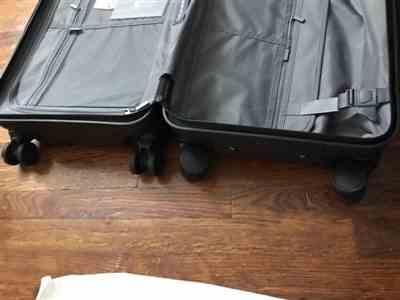 CLaster verified customer review of Forest Green 22 Carry On Luggage