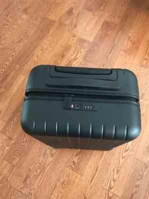 Bonnie verified customer review of Skyline Gray 22 Carry On Luggage