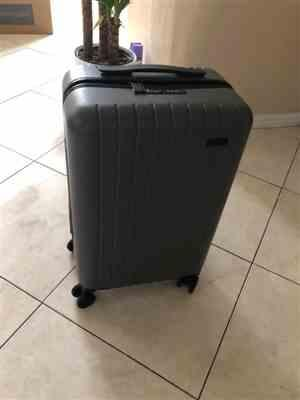 Eileen verified customer review of Skyline Gray 22 Carry On Luggage