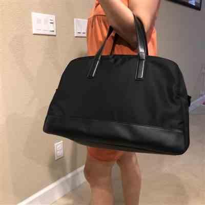Francis Chau verified customer review of Black Weekender Bag with Back Sleeve