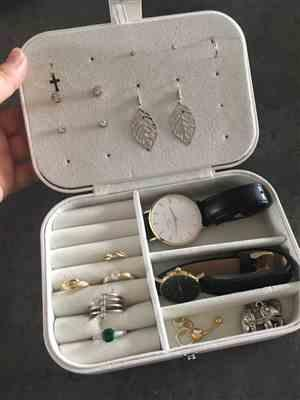 N***n verified customer review of Jewelry Box