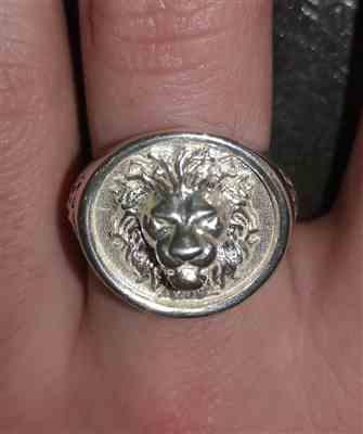 Emma PAQUIS verified customer review of Chevalière bague lion argent By Art Caribe