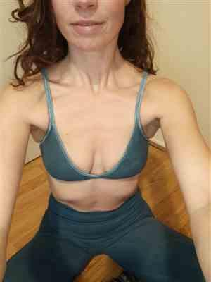 Eva Cornuijt verified customer review of Indigo Organic Bralette