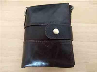 D***k verified customer review of RFID Chain Leather Wallet