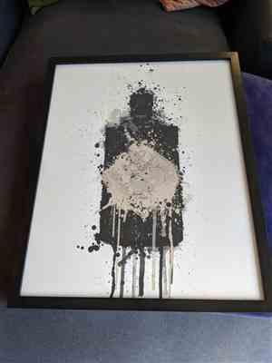 Jessica Holmes verified customer review of Gin Bottle Wall Art Print 'Onyx'