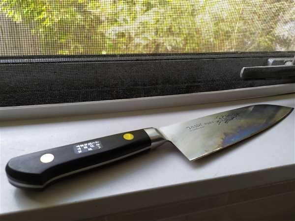 JapaneseChefsKnife.Com Misono Sweden Steel Series Santoku (140mm to 180mm, 3 Sizes) Review