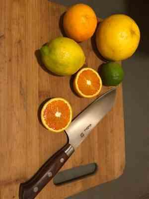gilbert o. verified customer review of Hattori Forums FH Series FH-4C Santoku 170mm (6.6inch, Cocobolo Wood Handle)