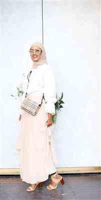 Ebyan warsame verified customer review of Everyday Chiffon Hijab - Light Mink