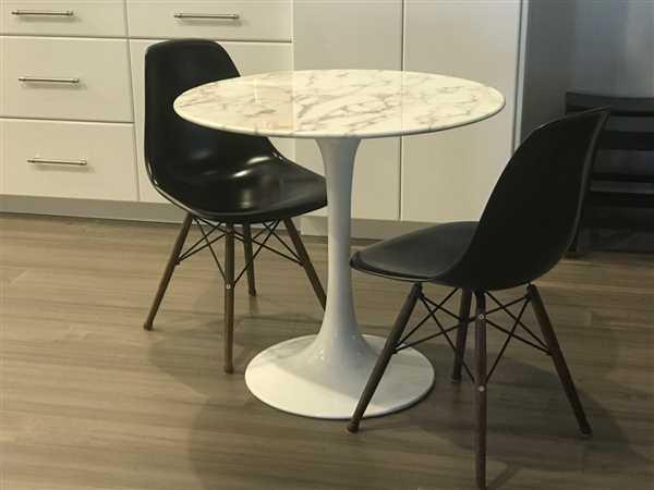 Ina Koppel verified customer review of Tulip Dining Table - 32 Round Marble Top
