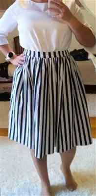 Enni Lahtinen verified customer review of Jasmine Nautical Stripes Kellohame