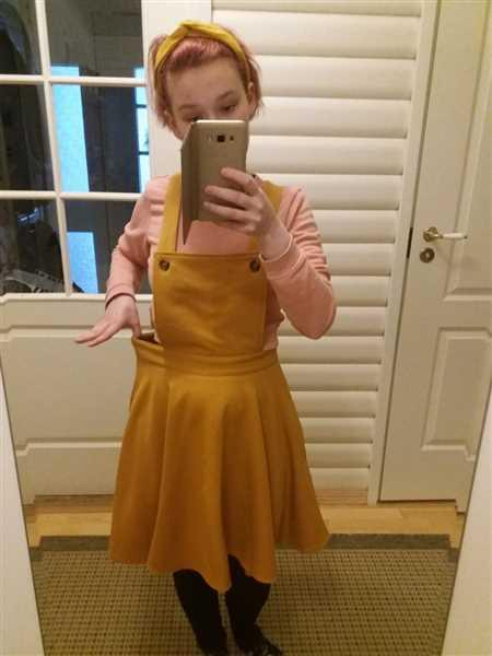 Eeva Raukola verified customer review of Amelie Pinafore Mustard Lappuhame