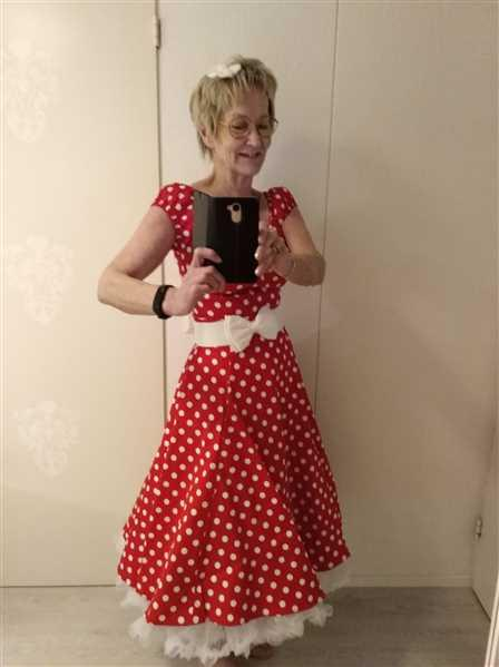 Merja verified customer review of Dolores Doll Red Polka Dot 50-luvun mekko