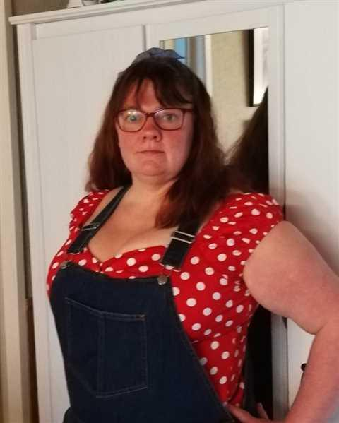 Satu Pihala  verified customer review of Dolores Red Polka Top