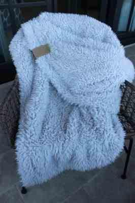 Melanie D. verified customer review of GUARDIAN ANGEL BLANKET | BIG LOViE