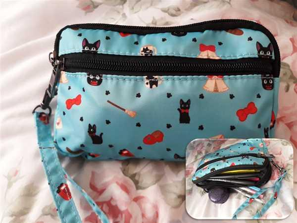 Ruth Miser verified customer review of *LIMITED EDITION* Jiji print cosmetic/pencil bag
