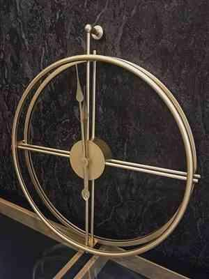 H***n verified customer review of Large Silent Wall Clock Modern Design Hanging Clock