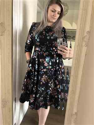 Saffron verified customer review of Black and Metallic Floral Print 3/4 Sleeve 50s Swing Dress