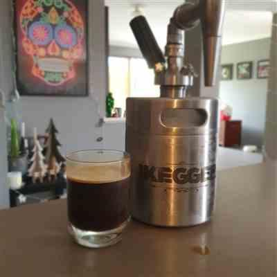 iKegger Cold Brew Coffee Keg | Nitro Coffee Kegs | Cocktail Kegs Review