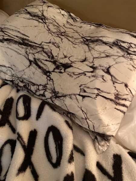 aliza wills verified customer review of Pillowcase - Light Marble - Standard