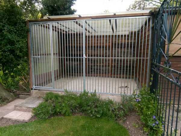 Trevor Booton verified customer review of Galvanised Dog Run Panels - 5cm Bar Spacing - Prestige Range